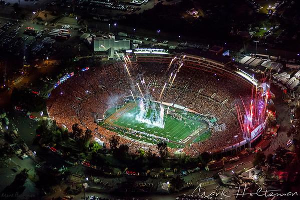 Fireworks show at 2014 BCS National Championship at Rose Bowl Stadium