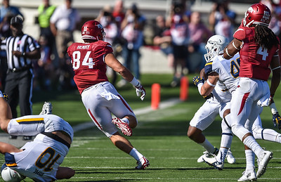 Hunter Henry runs downfield after a reception during a football game between the Arkansas Razorbacks and the Toledo Rockets on Saturday, 9/12/2015.  Toledo won 16-12.   (Alan Jamison, Nate Allen Sports Service)