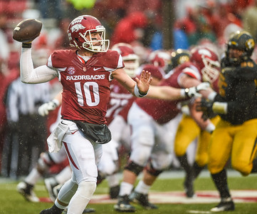Arkansas Razorbacks quarterback Brandon Allen (10) passes during a football game between Arkansas and Missouri on November 27, 2015.    (Alan Jamison, Nate Allen Sports Service)
