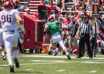 Rate Peavey scrambles during the Arkansas Razorback Spring Football Game on 4/23/2016.   (Alan Jamison, Nate Allen Sports Service)