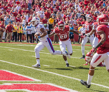 Louisiana Tech Bulldogs defensive back DaMarion King (8) scores during a football game between the Arkansas Razorbacks and the Louisiana Tech Bulldogs on Saturday, September 3, 2016.  (Alan Jamison, Nate Allen Sports Service)