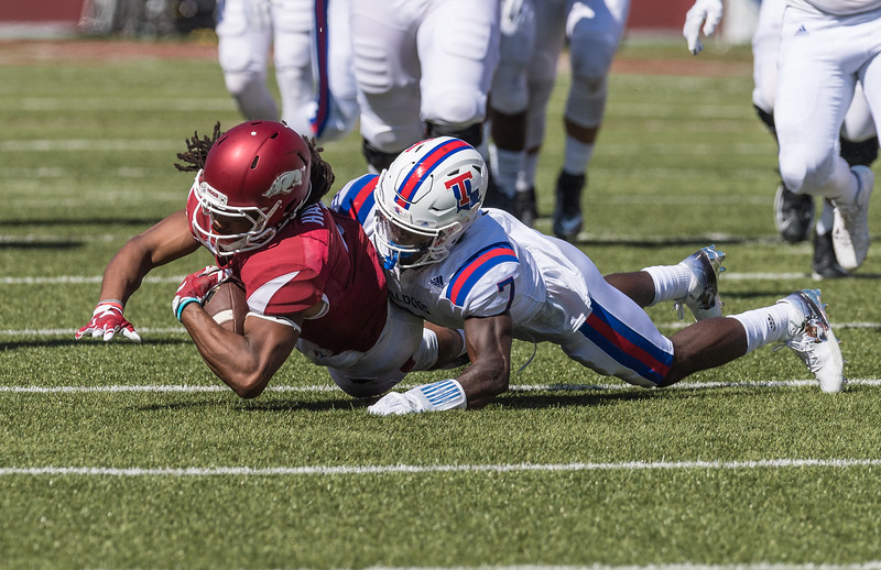 Arkansas Razorbacks wide receiver Keon Hatcher (4) rushes during a football game between the Arkansas Razorbacks and the Louisiana Tech Bulldogs on Saturday, September 3, 2016.  (Alan Jamison, Nate Allen Sports Service)