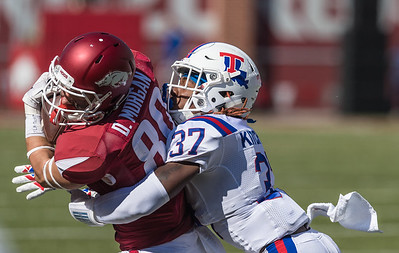 Arkansas Razorbacks wide receiver Drew Morgan (80) with a catch during a football game between the Arkansas Razorbacks and the Louisiana Tech Bulldogs on Saturday, September 3, 2016.  (Alan Jamison, Nate Allen Sports Service)