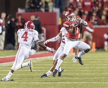 Arkansas Razorbacks wide receiver Jared Cornelius (1) with a catch during a football game between Arkansas and Alabama on Saturday, October 8, 2016.  (Alan Jamison, Nate Allen Sports Service)