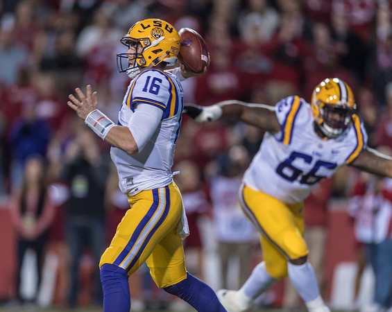 LSU Tigers quarterback Danny Etling (16) throws during a football game between Arkansas and LSU on Saturday, November 12, 2016.  (Alan Jamison, Nate Allen Sports Service)