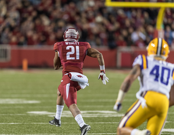 Arkansas Razorbacks running back Devwah Whaley (21) rushes during a football game between Arkansas and LSU on Saturday, November 12, 2016.  (Alan Jamison, Nate Allen Sports Service)
