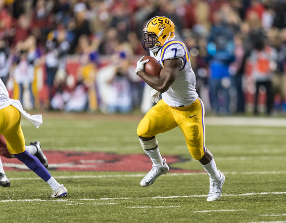 LSU Tigers running back Leonard Fournette (7) rushes during a football game between Arkansas and LSU on Saturday, November 12, 2016.  (Alan Jamison, Nate Allen Sports Service)