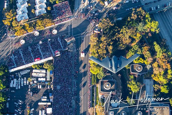 B2 flies over 2015 Rose Parade