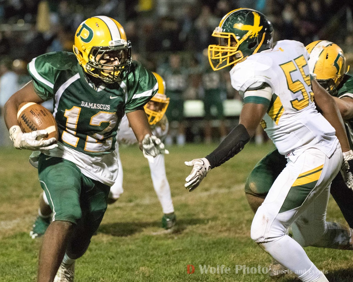 Seneca Valley's senior wide receiver Sevaun Simpson runs the right side of  the line for a gain.