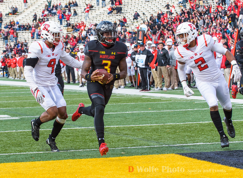 Maryland freshman  Tyrrell Pigrome crosses the goal line near the ned of the 2nd quarter toscore a touchdown.