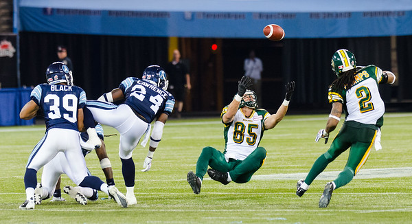 TORONTO, ON (08/18/2013) - Edmonton Eskimos Wide Receiver Nathan Coehoorn (85) makes a catches during his game against Toronto Argonauts.  Argonauts won 36-33.  Photo by Alicia Wynter