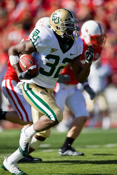 25 October 2008: Baylor running back Jay Finley breaks free for a 43-yard touchdown run in the 1st quarter against Nebraska.  The Cornhuskers beat Baylor 32-20 at Memorial Stadium in Lincoln, Nebraska.