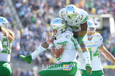 NCAA Football 2017: Oregon vs UCLA OCT 21