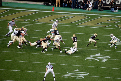 """""""Speedy"""" Rodney Stewart (5), listed as 5' 6"""", 175lb, started from the BU 18.  This is one of the most amazing runs you'll ever see!  Just count the number of Baylor players who missed Speedy (1)."""