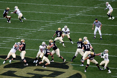 Hansen is looking for a receiver on 3rd and 5 at Baylor's 39.  Q1 - First series for CU (CU-0 : BU-0)