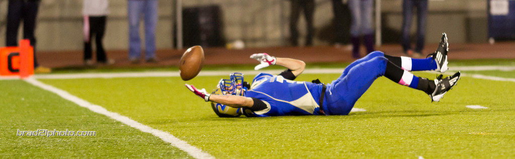 IMAGE: http://www.brad21photo.com/Sports/Football/Damonte-Football-2012/i-b62vvr8/0/XL/IMG_0884-XL.jpg