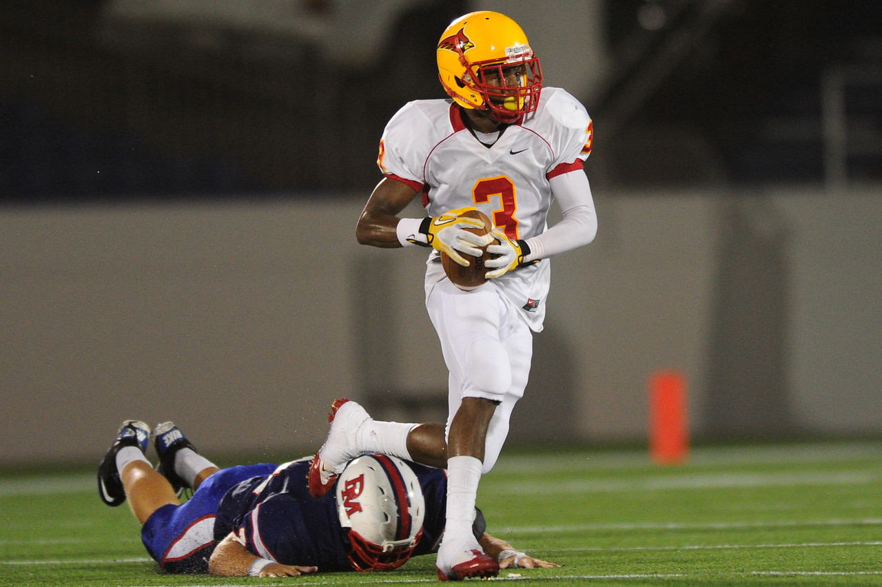 Sept 9, 2011 : Calvert Hall's Daquan Davis (3) during action at the 2011 Patriot Classic Football tournament at the United States Naval Academy Stadium in Annapolis, Maryland. Calvert Hall dominated and came away with a 18-0 victory over DeMatha.