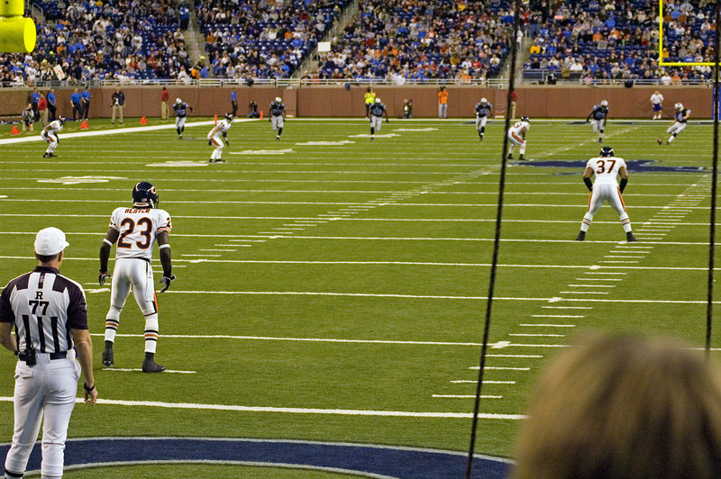 <font color=yellow>Jason Hanson kicks off to Hester to start the game.</font>