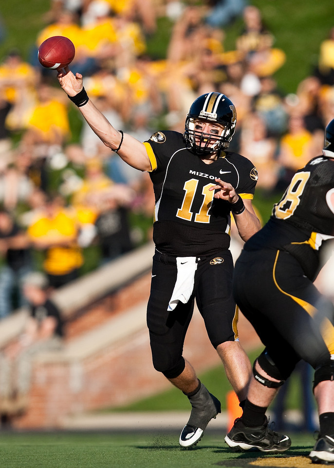 7 November 2009: Missouri quarterback Blaine Gabbert (11) throws the ball during the Baylor Bears 40-32 win over the Missouri Tigers at Memorial Stadium in Columbia, Missouri.