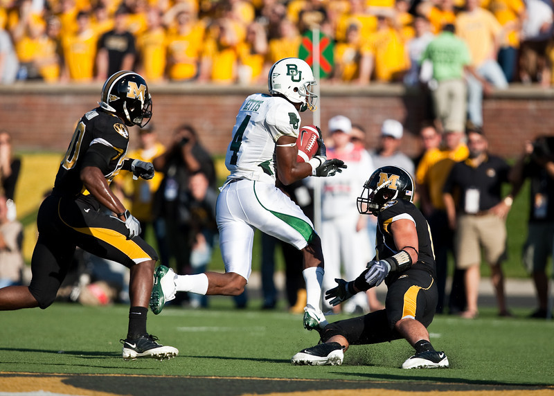 7 November 2009: Baylor wide receiver David Gettis (4) makes a reception and turns up field during the Baylor Bears 40-32 win over the Missouri Tigers at Memorial Stadium in Columbia, Missouri.