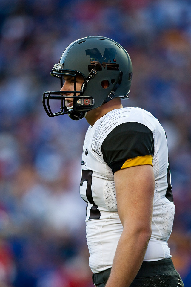 28 November 2009: Missouri tight end Andrew Jones (87) during the Missouri Tigers 41-39 win over the Kansas Jayhawks at Arrowhead Stadium in Kansas City, Missouri.