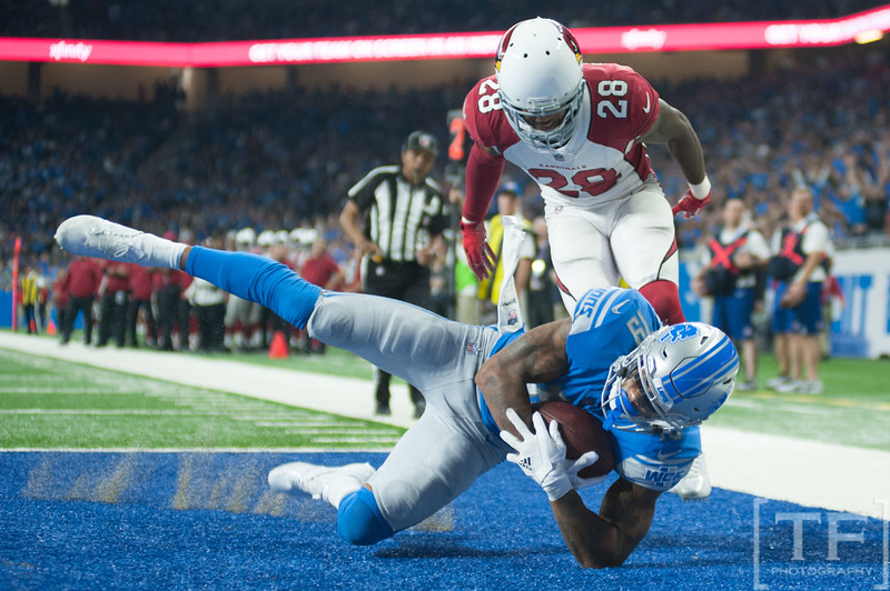 Sep 10, 2017; Detroit, MI, USA; Detroit Lions wide receiver Kenny Golladay (19) makes a touchdown catch during the fourth quarter as Arizona Cardinals cornerback Justin Bethel (28) guards at Ford Field. Mandatory Credit: Tim Fuller-USA TODAY Sports