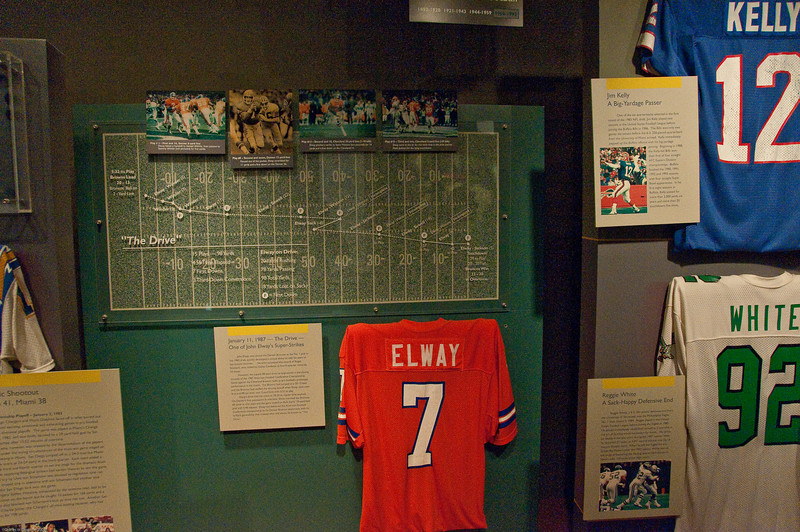 Sports-Football-NFL Hall of Fame 042509-14
