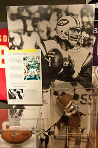 Sports-Football-NFL Hall of Fame 042509-10