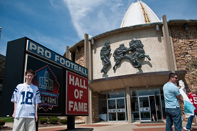 Sports-Football-NFL Hall of Fame 042509-3