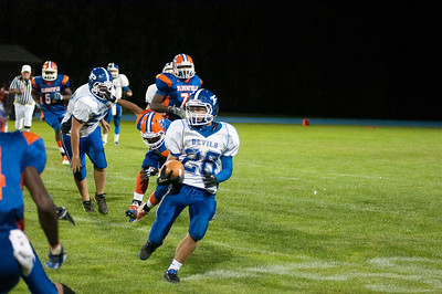 Adam Foster runs the ball against Bloomfield Friday night.