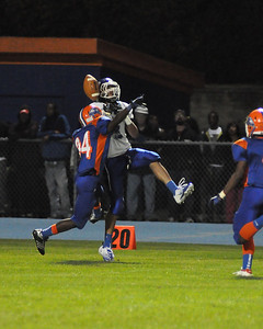 Dan Bates makes an incredible catch during Fridays game against Bloomfield.