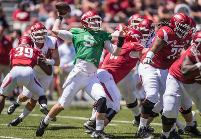 Ty Storey passes during the Arkansas Razorback Spring Football Game on 4/23/2016.   (Alan Jamison, Nate Allen Sports Service)