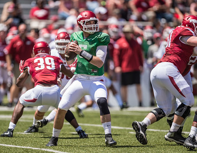 Ty Storey prepares to pass during the Arkansas Razorback Spring Football Game on 4/23/2016.   (Alan Jamison, Nate Allen Sports Service)