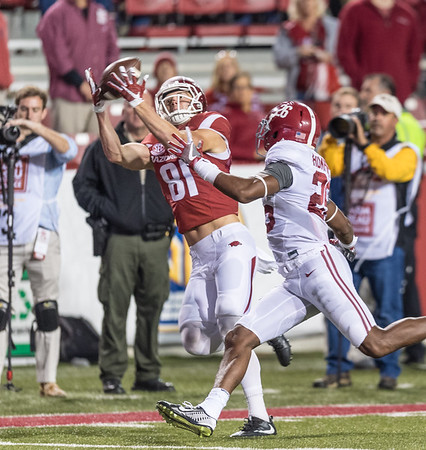 Arkansas Razorbacks wide receiver Cody Hollister (81) catches a pass during a football game between Arkansas and Alabama on Saturday, October 8, 2016.  (Alan Jamison, Nate Allen Sports Service)