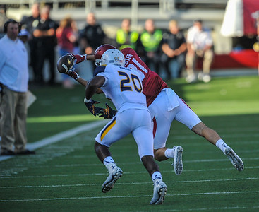 Cody Hollister with a reception during a football game between the Arkansas Razorbacks and the Toledo Rockets on Saturday, 9/12/2015.  Toledo won 16-12.   (Alan Jamison, Nate Allen Sports Service)