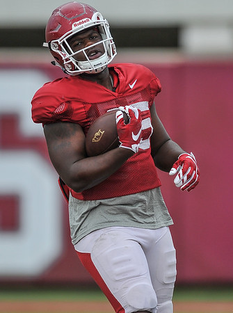 Tyler Colquitt scores at the Razorback football practice on Tuesday, August 18, 2015 at the Fred W. Smith Football Center in Fayetteville, Arkansas.   (Alan Jamison, Nate Allen Sports Service).