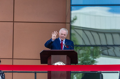 Jerry Jones speaks at the dedication of the Jerry and Gene Jones Family Student-Athlete Success Center on  the campus of the University of Arkansas in Fayetteville, Arkansas.   (Alan Jamison, Nate Allen Sports Service)