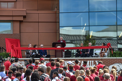 University of Arkansas Chancellor Dan Ferritor at the dedication of the Jerry and Gene Jones Family Student-Athlete Success Center on  the campus of the University of Arkansas in Fayetteville, Arkansas.   (Alan Jamison, Nate Allen Sports Service)