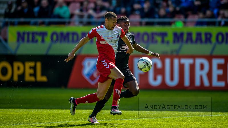 10-04-2016: Voetbal: FC Utrecht v NEC: Utrecht  Ramon Leeuwin from Utrecht and Anthony Limbombe from NEC  Fotograaf Andy Astfalck Eredivisie seizoen 2015/2016 Utrecht-NEC