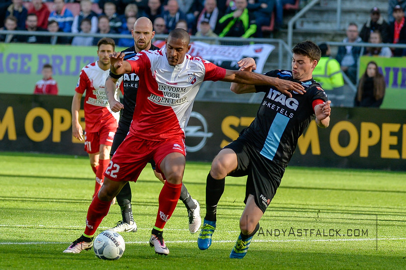 20-04-2016: Voetbal: FC Utrecht v De Graafschap: Utrecht  Sebastian Haller from Utrecht and Ted van de Pavert from de Graafschap Copyright Orange Pictures / Andy Astfalck  Eredivisie seizoen 2015/2016 Utrecht - de Graafschap