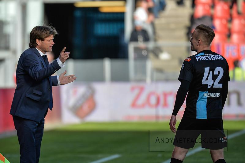 20-04-2016: Voetbal: FC Utrecht v De Graafschap: Utrecht  Jan Vreman trainer from de Graafschap and Mark Diemers from de Graafschap  Copyright Orange Pictures / Andy Astfalck  Eredivisie seizoen 2015/2016 Utrecht - de Graafschap