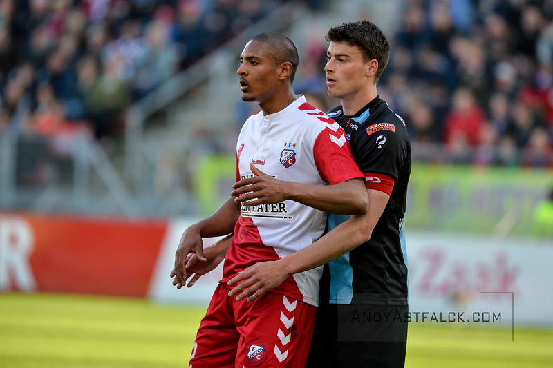 20-04-2016: Voetbal: FC Utrecht v De Graafschap: Utrecht  Sebastian Haller from Utrecht and Ted van de Pavert from de Graafschap.  Copyright Orange Pictures / Andy Astfalck  Eredivisie seizoen 2015/2016 Utrecht - de Graafschap