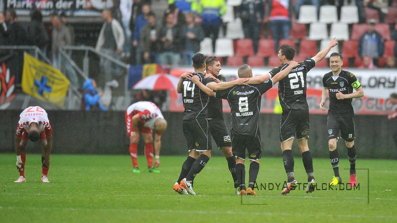 22-05-2016: Voetbal: FC Utrecht v Heracles Almelo: Utrecht  Heracles Celebrates, defeated Utrecht players in the background  Copyright Orange Pictures / Andy Astfalck  Eredivisie seizoen 2015/2016 Utrecht - Heracles Almelo