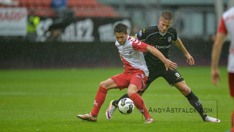 22-05-2016: Voetbal: FC Utrecht v Heracles Almelo: Utrecht  Andreas Ludwig from Utrecht and Paul Gladon from Heracles Almelo  Copyright Orange Pictures / Andy Astfalck  Eredivisie seizoen 2015/2016 Utrecht - Heracles Almelo