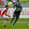 Jetro Willems from PSV runs past Utrecht defender Giovanni Troupee during the Dutch Eredivisie Football match between FC Utrecht and PSV Eindhoven at Stadion Galgenwaard in Utrecht on August 6, 2016.