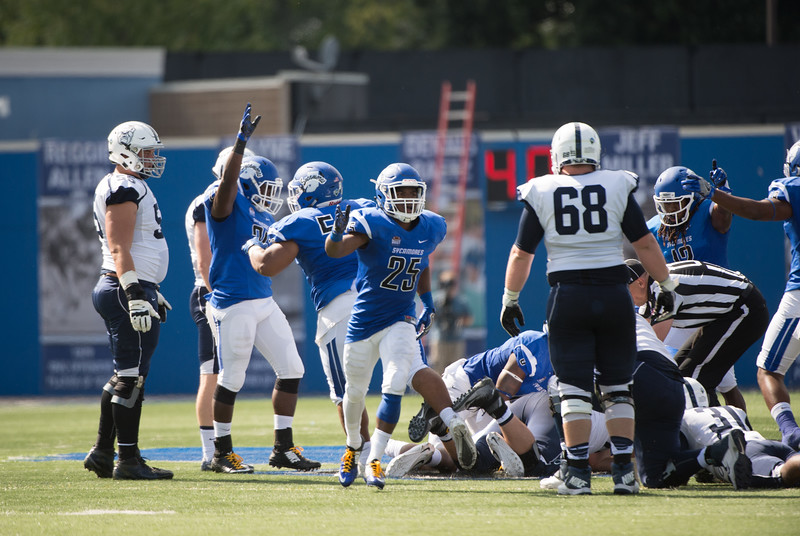 09_03_16_football_ISU_vs_Butler-3108