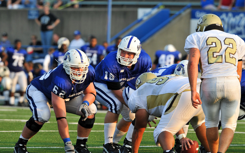 08_28_09_football_ISU_vs_quincy_d3_-765
