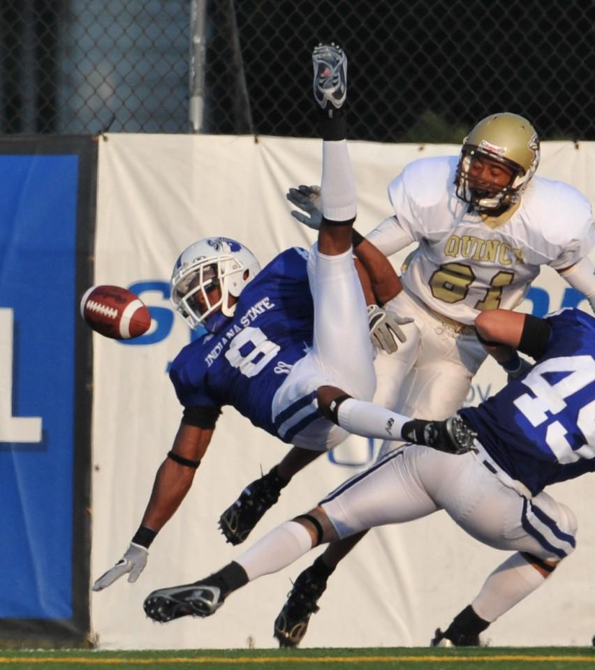 08_28_09_football_ISU_vs_quincy_d3_-602