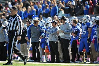 Indiana State defeats South Dakota 45-14 at Memorial Stadium to improve to 7-2.