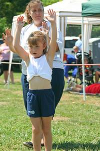 valley_football_cheerleaders_grid_2007-1336